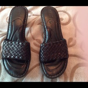 Born black woven leather sandals size 7